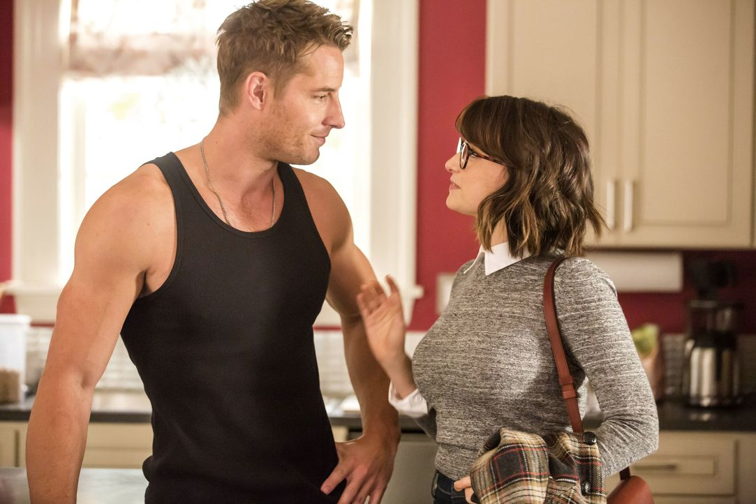 Das plötzliche Auftauchen von Olivia, wirft Kevin (Justin Hartley, l.) und Sloane (Milana Vayntrub, r.) etwas aus der Bahn. Wie werden sie damit umg... - Bildquelle: Ron Batzdorff 2016-2017 Twentieth Century Fox Film Corporation.  All rights reserved.   2017 NBCUniversal Media, LLC.  All rights reserved.