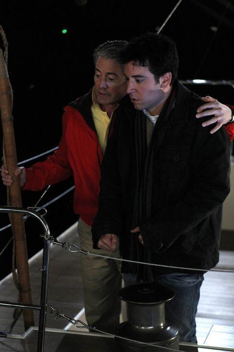 """Ein Männerausflug, mit ungeahnten Folgen: """"der Captain"""" (Kyle MacLachlan, l.) und Ted (Josh Radnor, r.) ... - Bildquelle: 20th Century Fox International Television"""