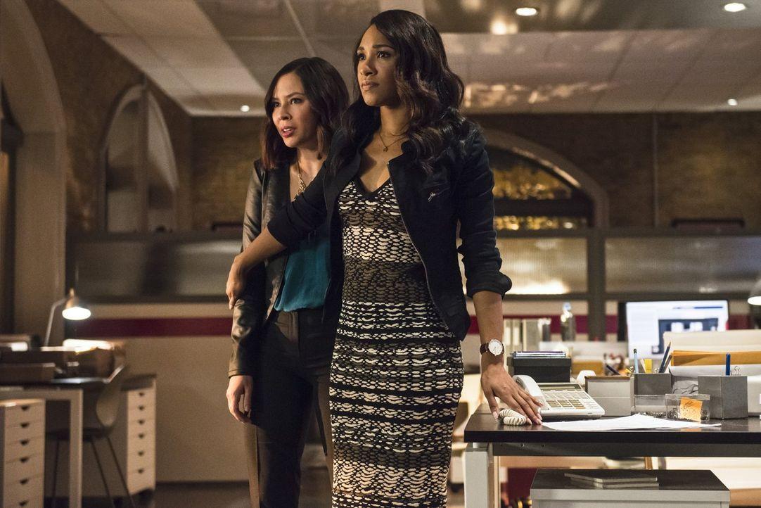 Kann Iris (Candice Patton, r.) ihre Kollegin und Freundin Linda (Malese Jow, l.) vor einem Meta-Wesen beschützen? - Bildquelle: 2015 Warner Brothers.