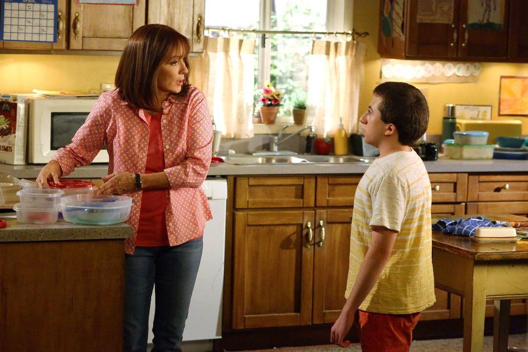 Frankie (Patricia Heaton, l.); Brick (Atticus Shaffer, r.) - Bildquelle: Warner Brothers