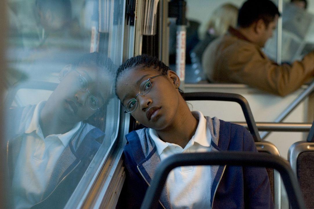 Während ihre Mitschüler sich in Grüppchen zusammenfinden, um den freien Nachmittage gemeinsam zu verbringen, fährt Akeelah (Keke Palmer) meist g... - Bildquelle: Copyright   2006 Lions Gate Films Inc. and 2929 Productions LLC. All Rights Reserved.