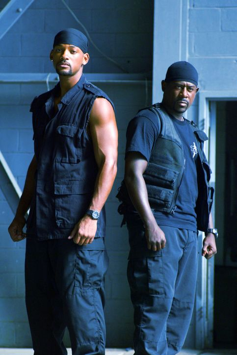 Im Auftrag des Miami Police Department unterwegs: die beiden Chaoten Mike (Will Smith, l.) und Marcus (Martin Lawrence, r.) ... - Bildquelle: 2004 Sony Pictures Television International. All Rights reserved.