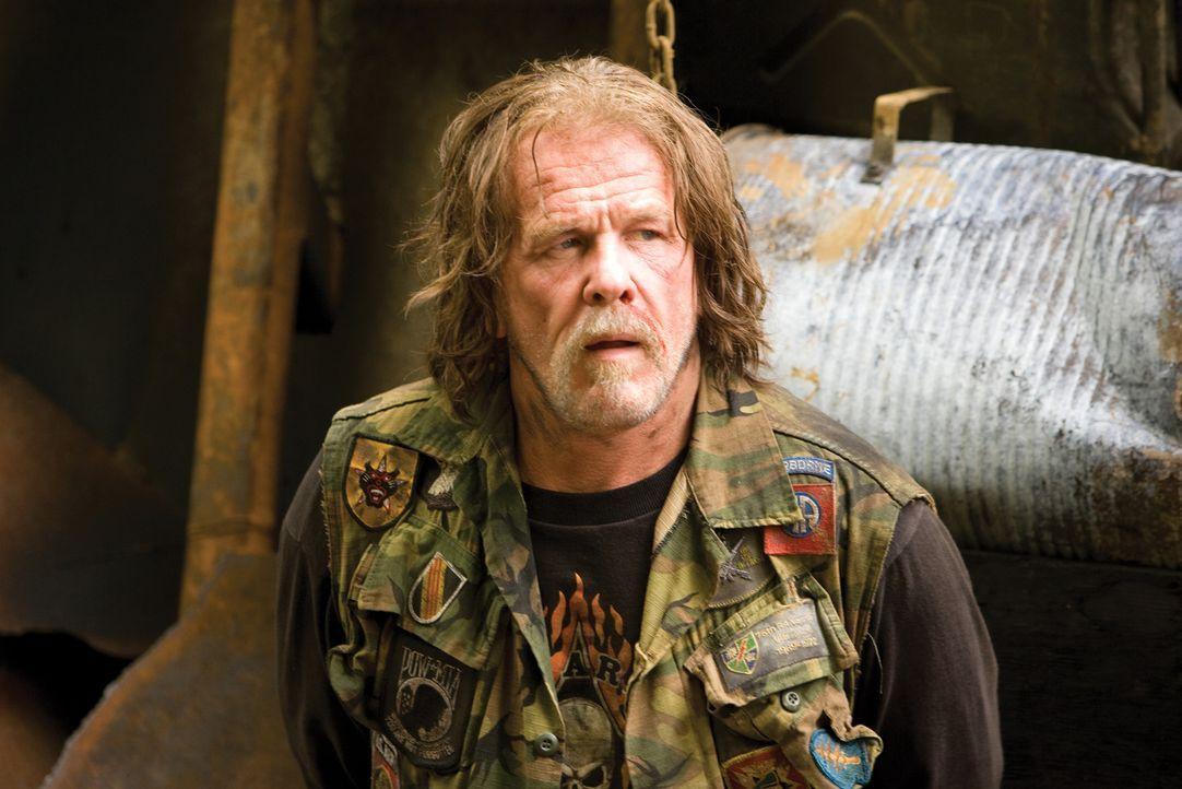 Drehbuchautor und Kriegsveteran Four Leaf Tayback (Nick Nolte) entpuppt sich im Laufe der Zeit als Hochstapler ... - Bildquelle: 2008 DreamWorks LLC. All Rights Reserved.