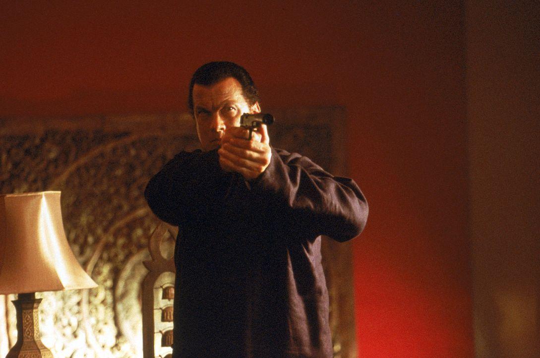 Als eine Fundamentalistengruppe seine Tochter entführt, schlägt Ex-CIA-Agent Jake Hopper (Steven Seagal) gnadenlos zurück ... - Bildquelle: MGM Home Entertainment