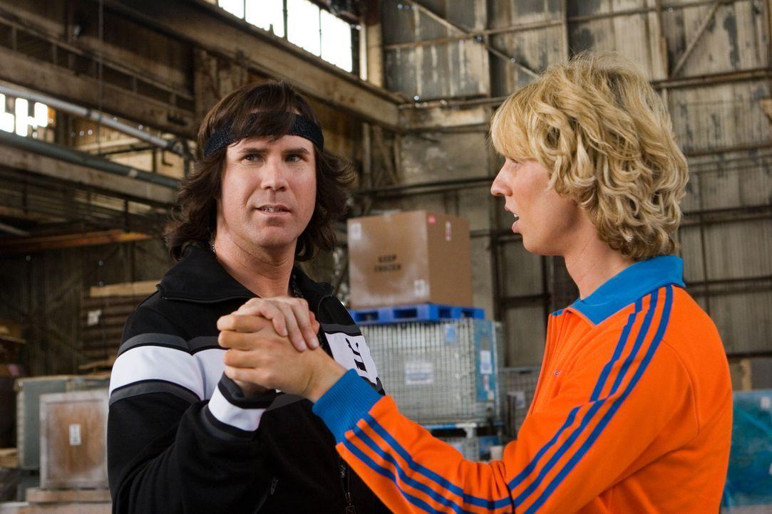 Als sie begreifen, dass ihre einzige Chance, jemals wieder auf dem Eis stehen zu können, der Paarlauf ist, wird aus den beiden Rivalen Chazz (Will... - Bildquelle: 2007 DREAMWORKS LLC. All Rights Reserved.