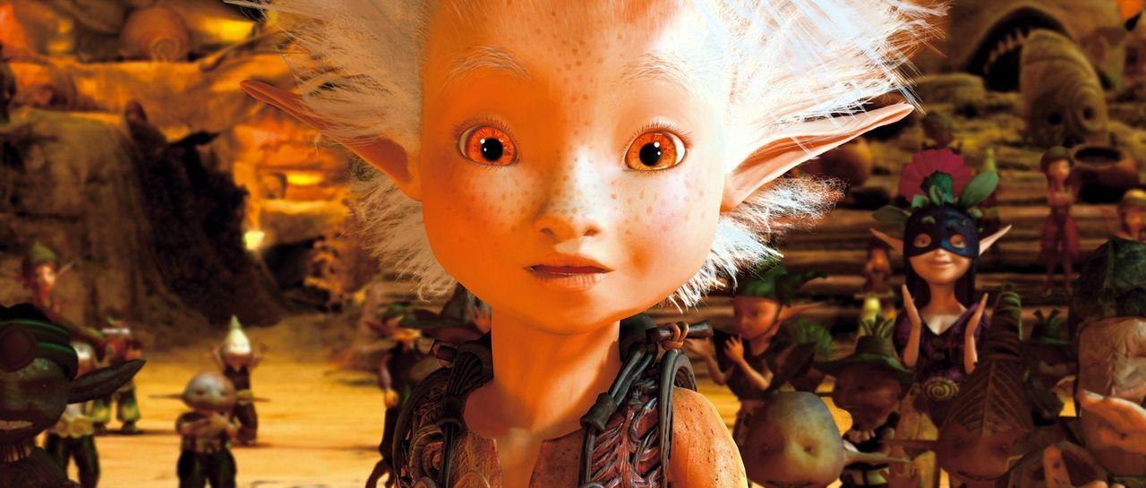 Bei der Suche nach dem Schatz seines Großvaters, landet Arthur prompt bei den Minimoys - kleinen elfenartigen Wesen, die den Garten bevölkern. Doch... - Bildquelle: TOBIS Film