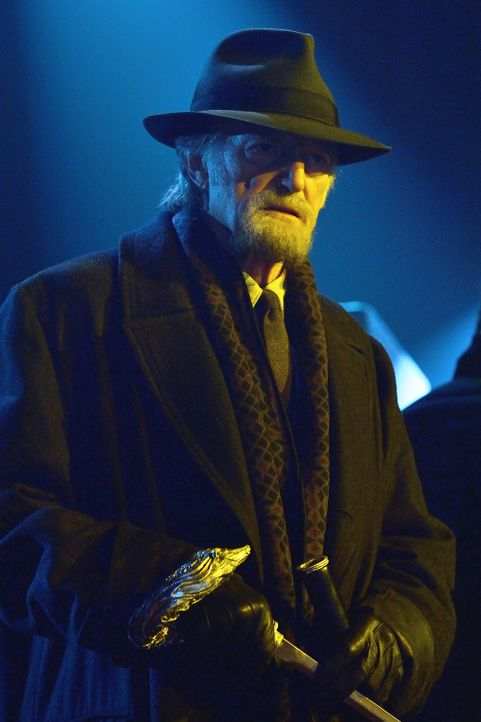 Während sich Abraham (David Bradley) im Theater auf die Suche nach dem Master macht, versuchen seine Verbündeten verzweifelt, die Vampire aufzuhalte... - Bildquelle: 2014 Fox and its related entities. All rights reserved.