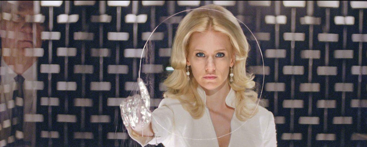 Mutantin Emma Frost (January Jones) verfügt nicht nur über außergewöhnliche telepathische Fähigkeiten, sie kann auch ihre Haut und ihr Haar dia... - Bildquelle: TM and   2011 Twentieth Century Fox Film Corporation, All Rights Reserved.