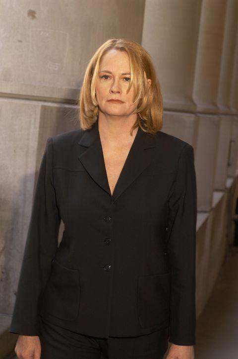Keiner will ihren Unschuldsbeteuerungen Glauben schenken: Martha Stewart (Cybill Shepherd), eine der erfolgreichsten Unternehmerinnen Amerikas ... - Bildquelle: TM &   2009 CBS Studios Inc. All Rights Reserved.
