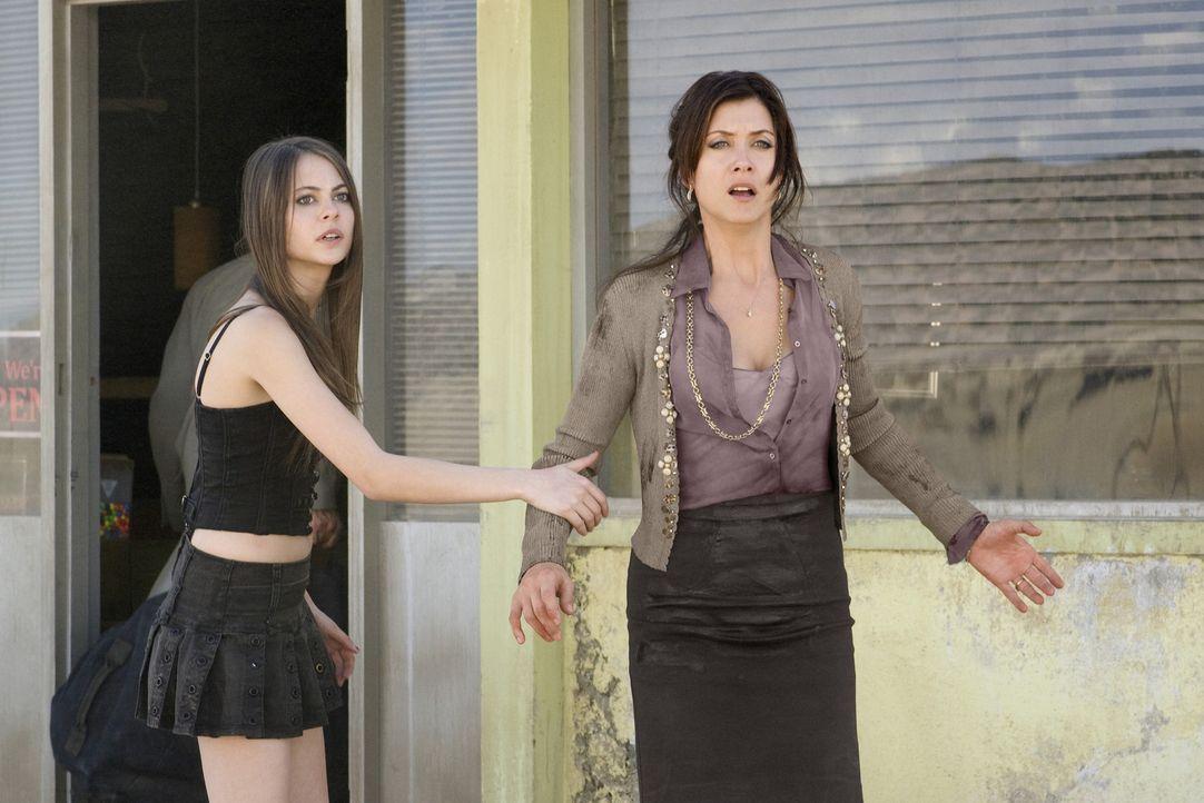 Ist die Zeit von Audrey (Willa Holland, l.) und Sandra (Kate Walsh, r.) schon bald vorüber? - Bildquelle: CPT Holdings, Inc.  All Rights Reserved.