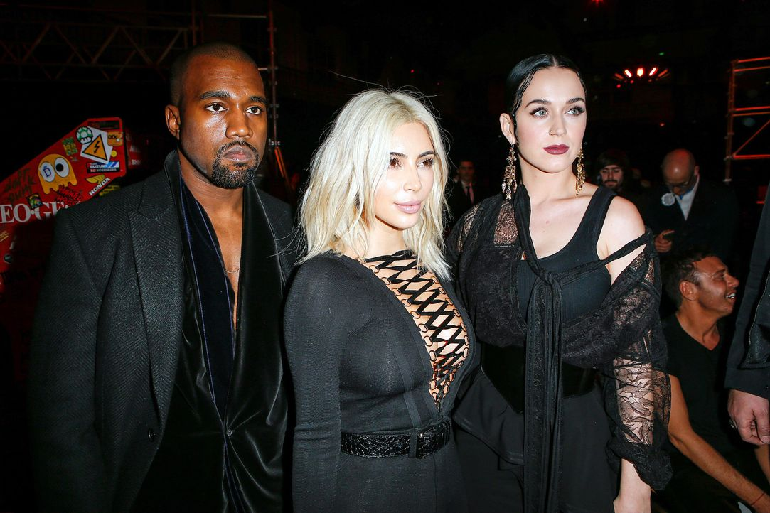 Paris-Fashion-Week-Kanye-West-Kim-Kardashian-Katy-Perry-150308-SIPA-WENN-com - Bildquelle: SIPA/WENN.com