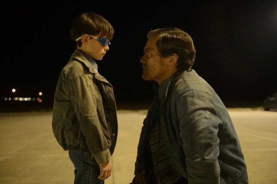 Alton (Jaeden Lieberher, l.); Roy (Michael Shannon, r.) - Bildquelle: Warner Bros.