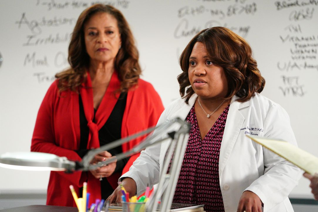 Dr. Catherine Fox (Debbie Allen, l.); Dr. Miranda Bailey (Chandra Wilson, r.) - Bildquelle: Christopher Willard 2020 American Broadcasting Companies, Inc. All rights reserved. / Christopher Willard