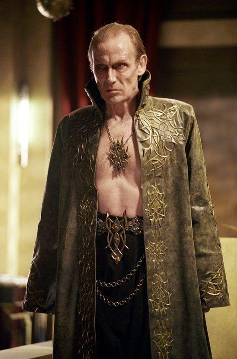 Kaum wird der Vampirfürsten Viktor (Bill Nighy) in einem riskanten Ritual von der verzweifelten Selene zum Leben wiedererweckt, da beginnt er auch... - Bildquelle: TMG