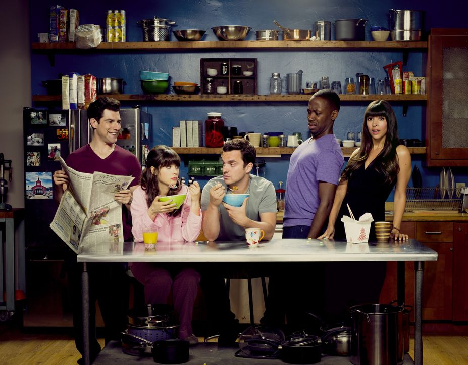 (3. Staffel) - Gehen gemeinsam durch Dick und Dünn: Winston (Lamorne Morris, 2.v.r.), Nick (Jake Johnson, M.), Jessica (Zooey Deschanel, 2.v.l.), Sc... - Bildquelle: TM &   2013 Fox and its related entities. All rights reserved.