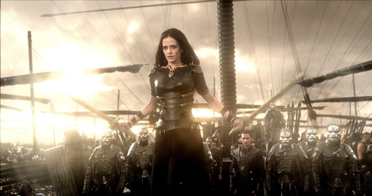 Xerxes betraut seine enge Beraterin Artemisia (Eva Green) mit der schweren Aufgabe, die Flotte der Perser zu führen, um die Athener und deren Kriegs... - Bildquelle: 2014 Warner Bros. Entertainment, Inc.