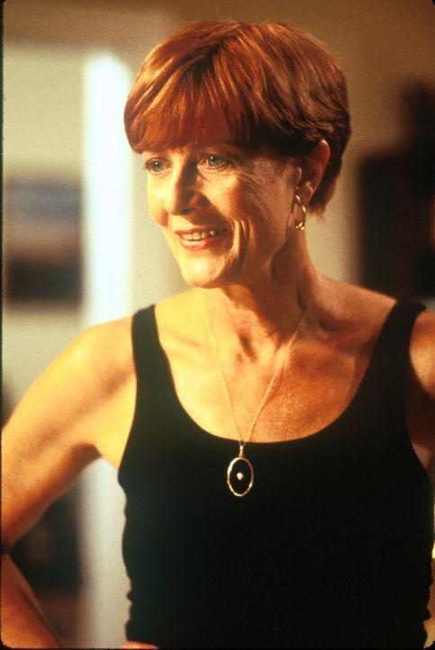 Verzichtet auf einen Platz im rettenden Stollen: Robin Lerner (Vanessa Redgrave) ... - Bildquelle: TM+  1998 DreamWorks L.L.C. and Paramount Pictures All Rights Reserved