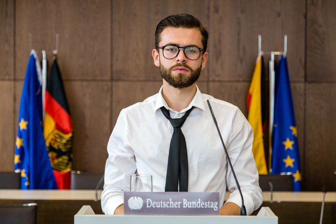 """The Choice of Germany - Das Kanzlerexperiment: """"Galileo""""-Zuschauer schlüpfen in die Haut des Bundeskanzlers und treffen sieben politische Entscheidu... - Bildquelle: ProSieben"""
