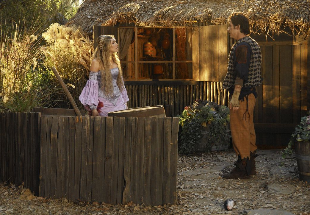 Die Prinzessin (Sarah Chalke, l.) und der Dorftrottel (Zach Braff, r.) haben nur eine Wahl: Sie müssen in den verbotenen Wald, um die Magd befreien... - Bildquelle: Touchstone Television