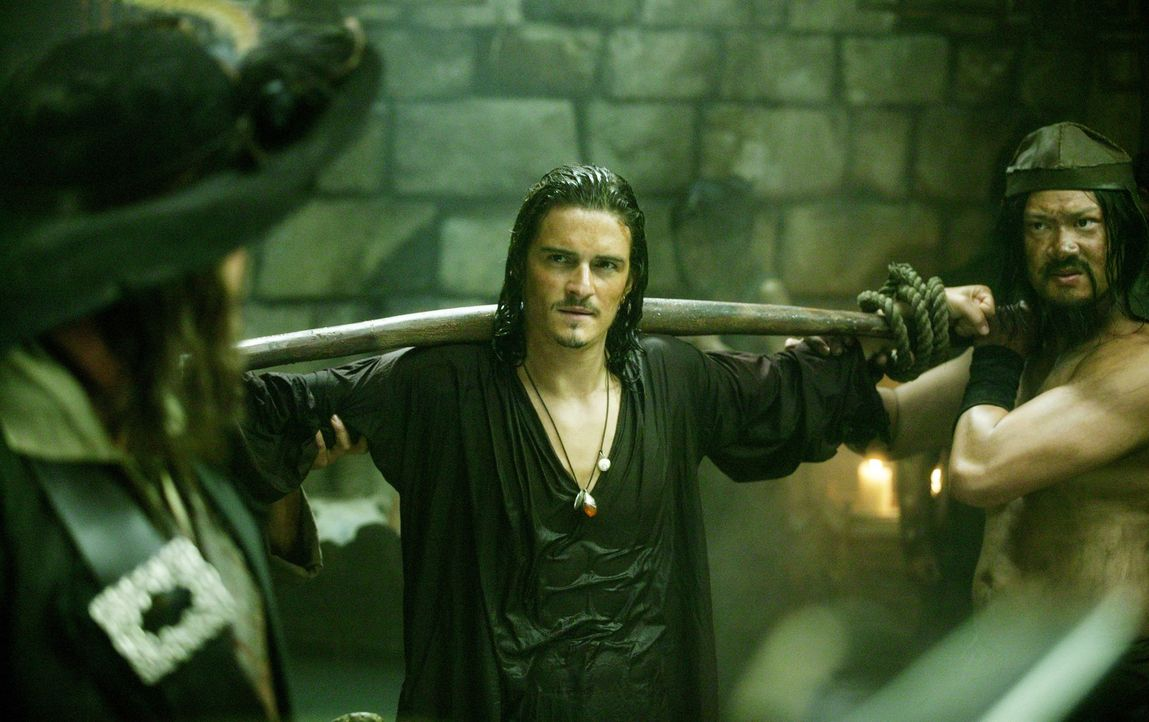 Nach wie vor wird Will Turner (Orlando Bloom, M.) nur von einem Gedanken getrieben: Er will um jeden Preis seinen Vater retten ... - Bildquelle: Peter Mountain Disney Enterprises, Inc.  All rights reserved