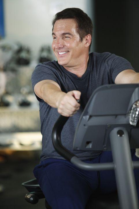 Hofft, im Fitnessstudio eine Frau kennenzulernen: Sheldon (Brian Benben) ... - Bildquelle: ABC Studios