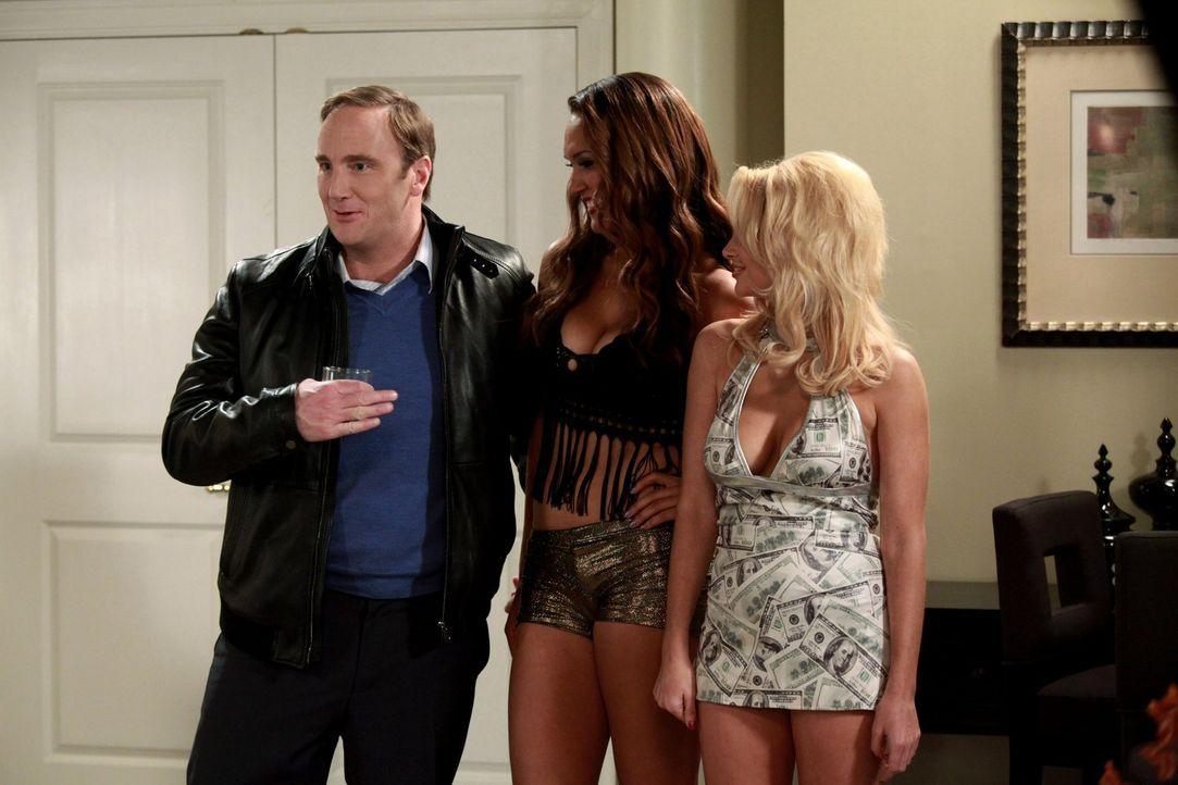 Was macht Steven (Jay Mohr, l.) nur mit Bambi (Anastacia McPherson, M.) und Candy (Jacqui Holland, r.) in Atlantic City? - Bildquelle: Warner Bros. Television