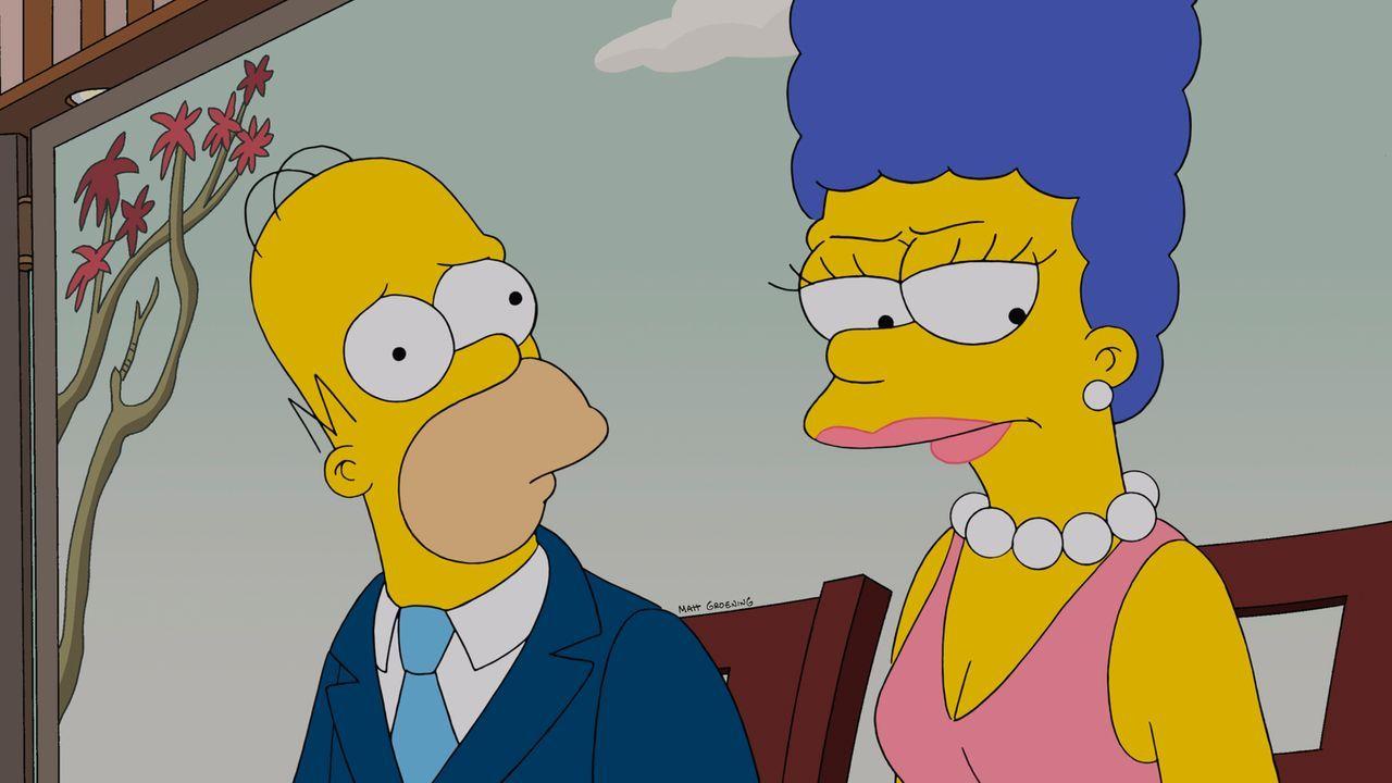 Bei Homer (l.) und Marge (r.) hängt der Haussegen schief, denn Homer hat sich bei einem romantischen Essen mal wieder wie ein Vollidiot benommen ... - Bildquelle: und TM Twentieth Century Fox Film Corporation - Alle Rechte vorbehalten