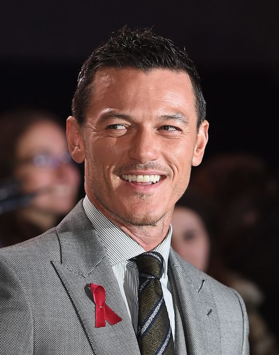 Luke-Evans-14-12-01-London-dpa - Bildquelle: dpa