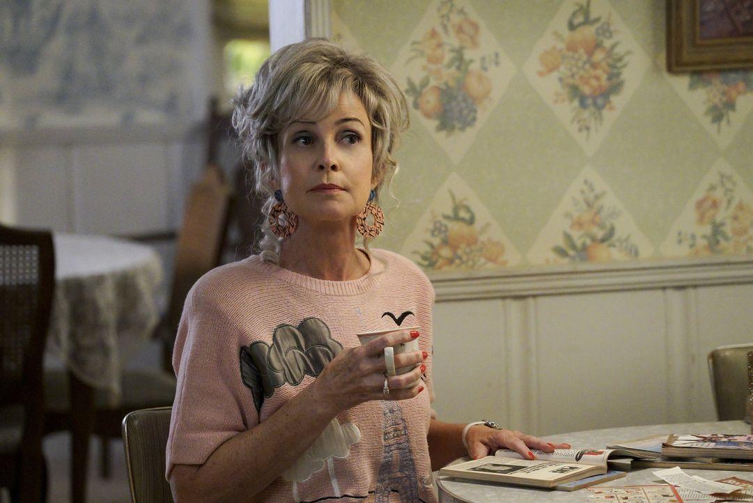 Geht es bei der Streiterei mit ihrem Schwiegersohn für Meemaw (Annie Potts) wirklich nur um das Familienrezept? - Bildquelle: Warner Bros.