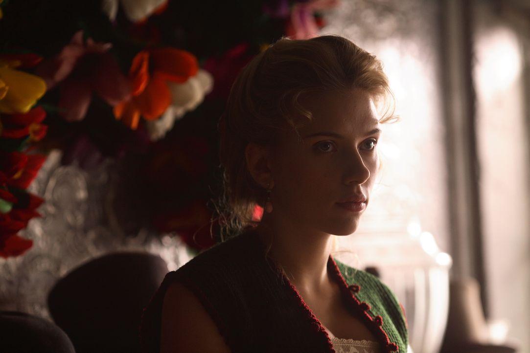 Soll Spionage betreiben: Olivia Wenscombe (Scarlett Johansson) ... - Bildquelle: Warner Television