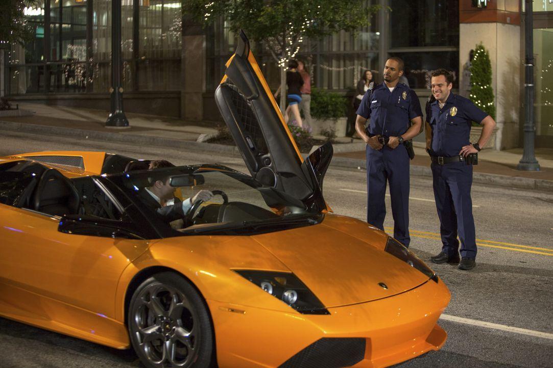 Lets-be-Cops-12-2014Twentieth-Century-Fox