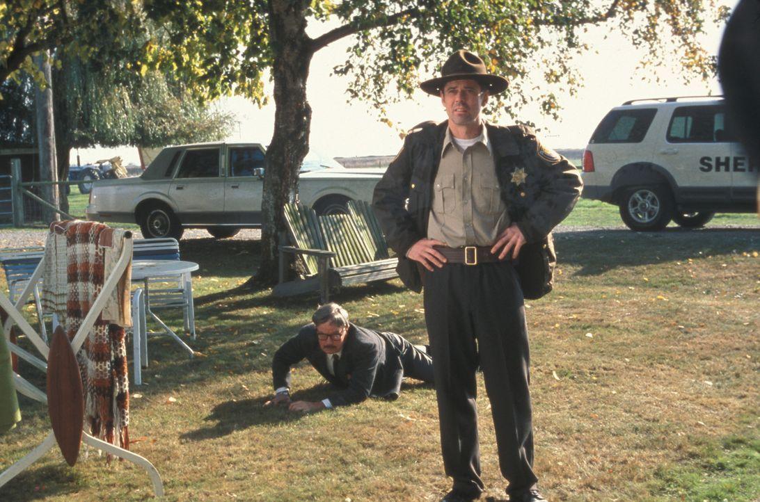 Erkennt als einziger die bevorstehende Katastrophe: Sheriff Harris (C. Thomas Howell, r.) ... - Bildquelle: Regent Entertainment