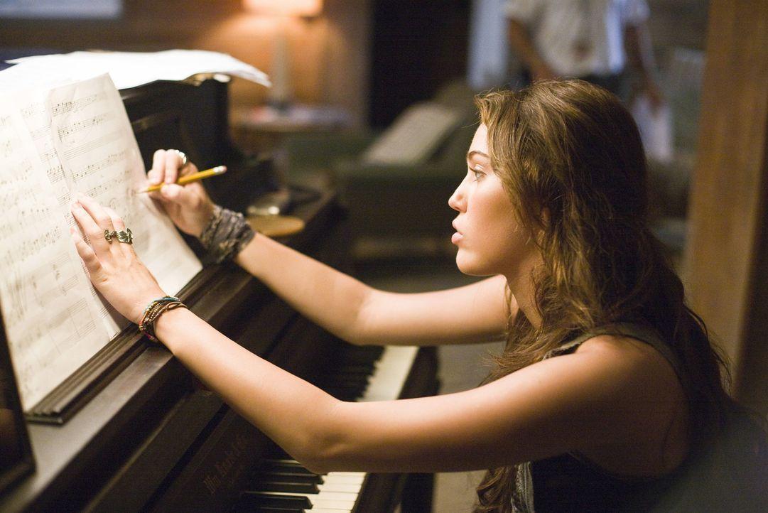 Steve ist ziemlich unglücklich darüber, dass seine begabte Tochter seit der Scheidung nie wieder ein Klavier angefasst hat. Dabei könnte Ronnie (... - Bildquelle: Sam Emerson SMPSP Touchstone Pictures.  All Rights Reserved