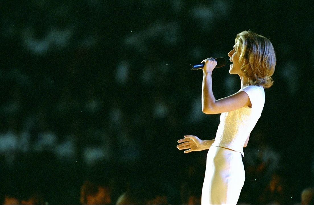 Celine Dion - Bildquelle: Mike Hewitt Viacom Studios UK / Mike Hewitt
