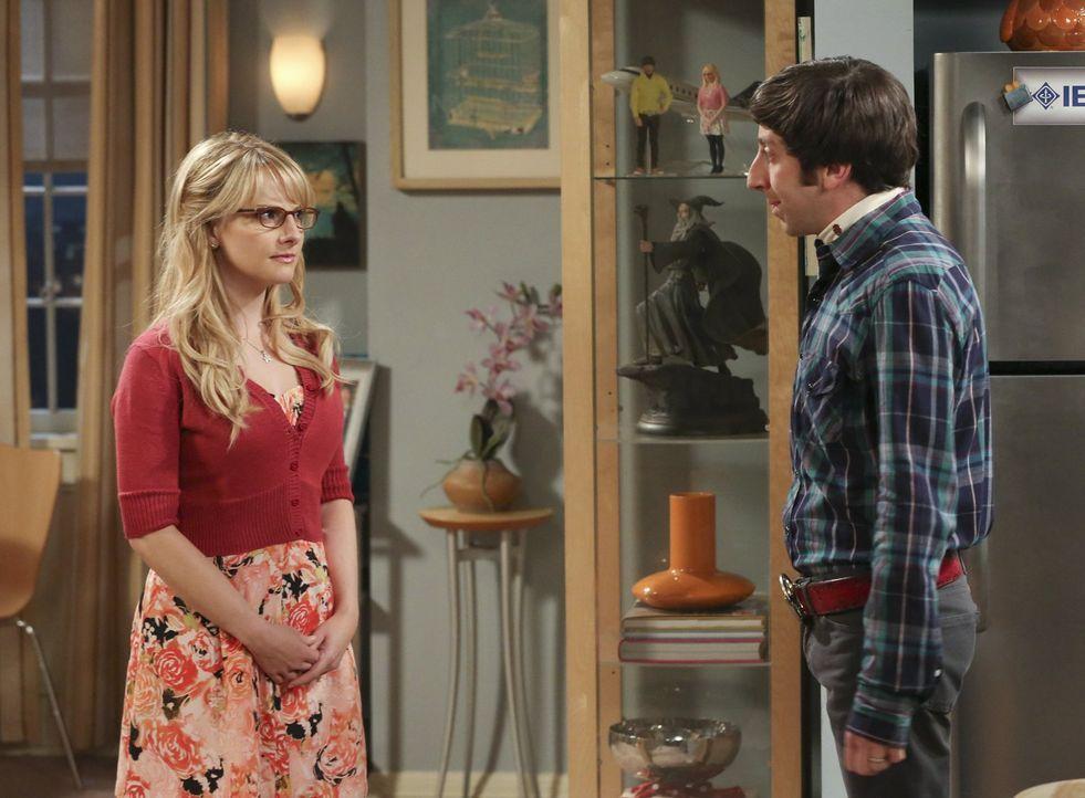 Was ist zwischen Bernadette (Melissa Rauch, l.) und Howard (Simon Helberg, r.) nur los? - Bildquelle: Warner Bros. Television