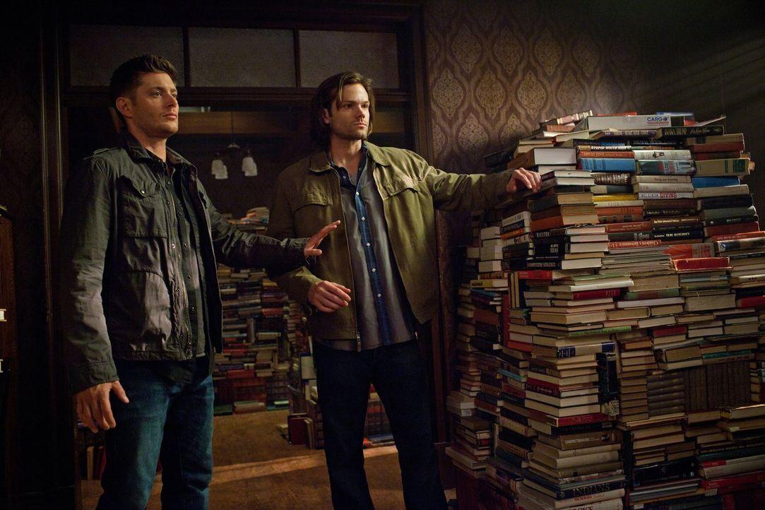 Die Suche nach der dritten Aufgabe führt Sam (Jared Padalecki, r.) und Dean (Jensen Ackles, l.) in ein Casino in Colorado ... - Bildquelle: Warner Bros. Television
