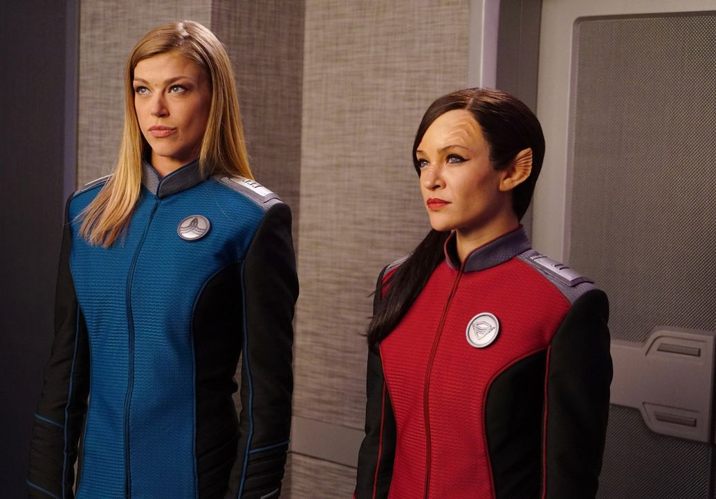 Commander Kelly Grayson (Adrianne Palicki, l.); Lieutenant Talla Keyali (Jessica Szohr, r.) - Bildquelle: Michael Becker 2019 Twentieth Century Fox Film Corporation.  All rights reserved.