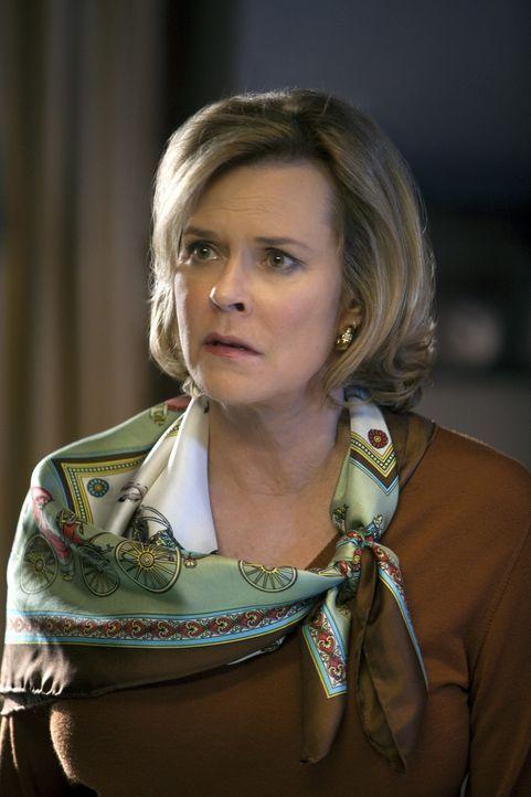 Besteht aggressiv darauf, dass Addison alles dafür tut, um ihre Partnerin Susan zu retten: Bizzy (JoBeth Williams) ... - Bildquelle: ABC Studios