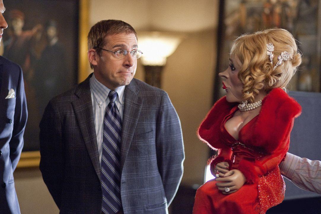 Nach kurzer Zeit freundet sich Barry (Steve Carell) mit Lewis' Gattin, einer Bauchrednerpuppe, an ... - Bildquelle: Merie Weismiller Wallace 2010 DW Studios LLC. All Rights Reserved.