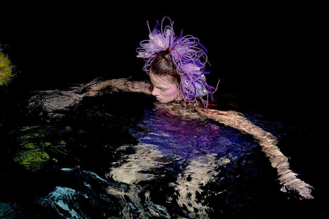 gntm-stf08-epi02-unterwasser-shooting-39-oliver-s-prosiebenjpg 2000 x 1331 - Bildquelle: Oliver S. - ProSieben