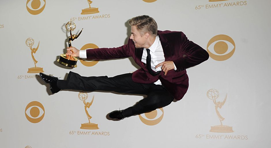 Emmy-Awards-Derek-Hough-13-09-23-Apega-WENN - Bildquelle: Apega/WENN.com