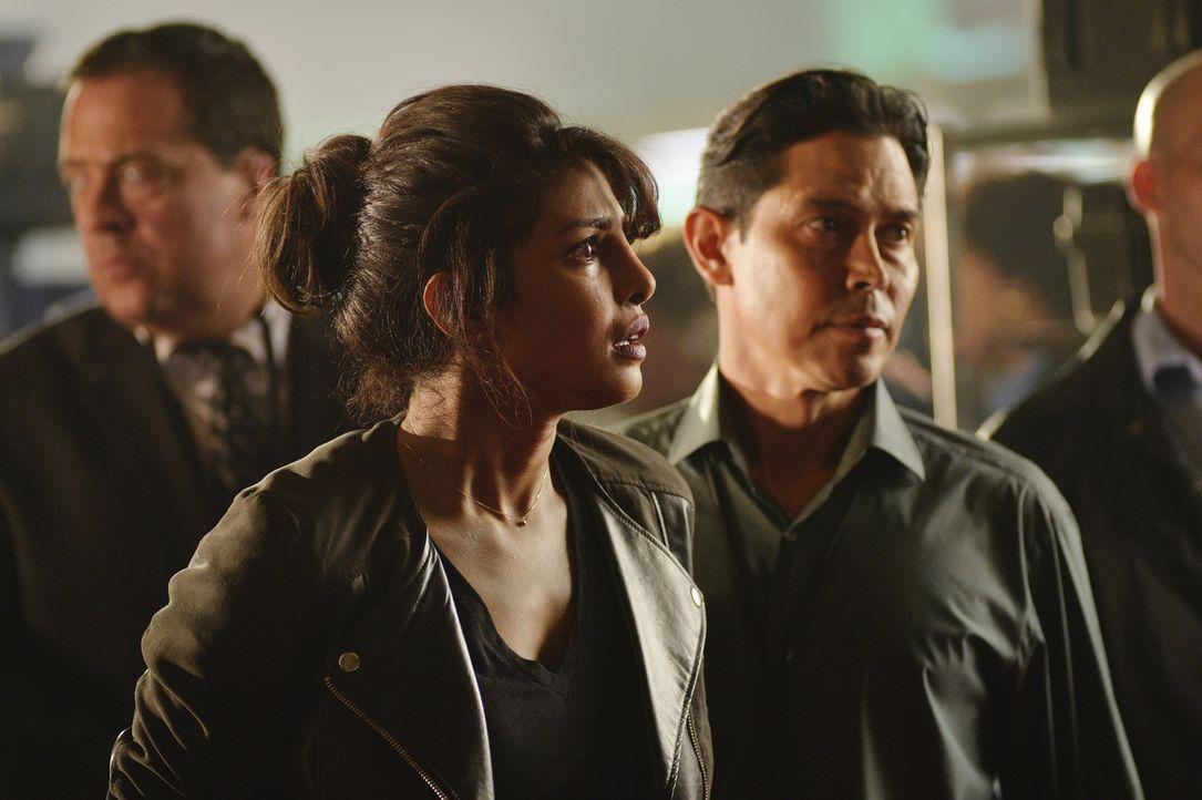 Wird nach einem Terroranschlag als Tatverdächtige festgenommen. Obwohl Alex (Priyanka Chopra) ihre Unschuld beteuert, glaubt ihr niemand. Ein Wettla... - Bildquelle: 2015 ABC Studios