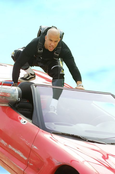 Der zynische Lebenskünstler Xander Cage (Vin Diesel) liebt das Risiko. Auch auf die Gefahr hin, über den sprichwörtlichen Jordan zu gehen, wagt e... - Bildquelle: 2003 Sony Pictures Television International. All Rights Reserved.