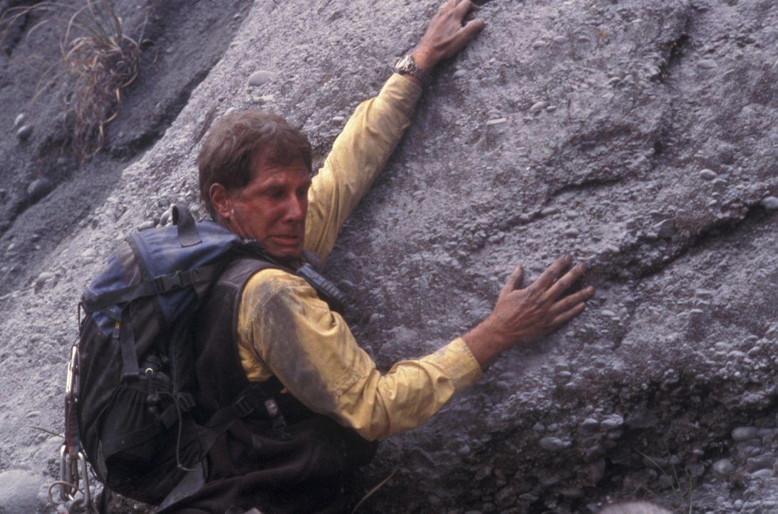 Als überraschend der Vulkan ausbricht, beginnt für Kevin (Parker Stevenson) ein gnadenloser Kampf ums Überleben ... - Bildquelle: Regent Entertainment