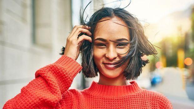 Wir berichten über Skincare Inhaltsstoffe in Haarpflege-Produkten – welche In...