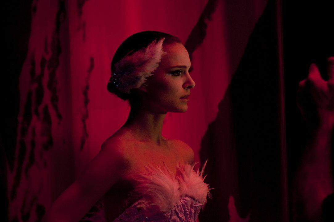 """Die junge und attraktive Ballerina Nina (Natalie Portman) wünscht sich nichts sehnlicher, als eines Tages die Hauptrolle in Tschaikowskis """"Schwanen... - Bildquelle: 20th Century Fox"""