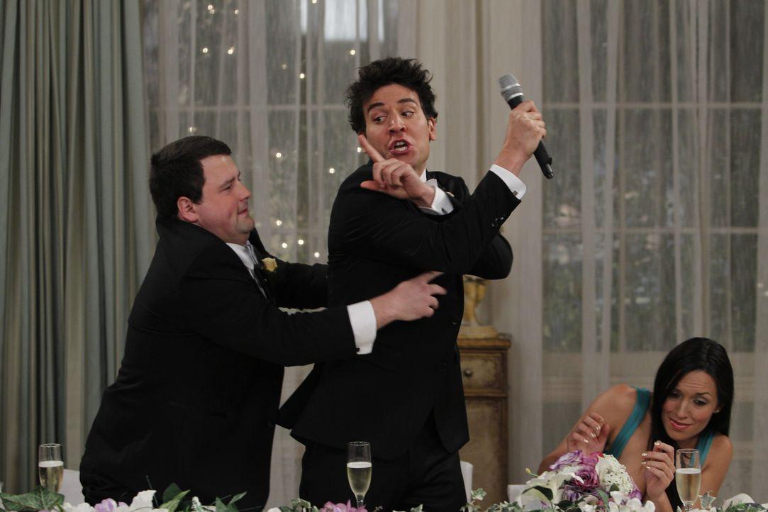 Barney bereitet sich auf die Hochzeit mit seiner geheimnisvollen Braut vor. Er ist nervös und kurz davor, kalte Füße zu bekommen, vor allem befü... - Bildquelle: 20th Century Fox International Television