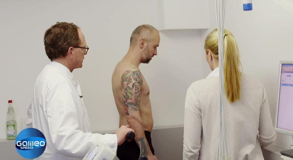 Nackt hautarzt untersuchung Corinnas rektale