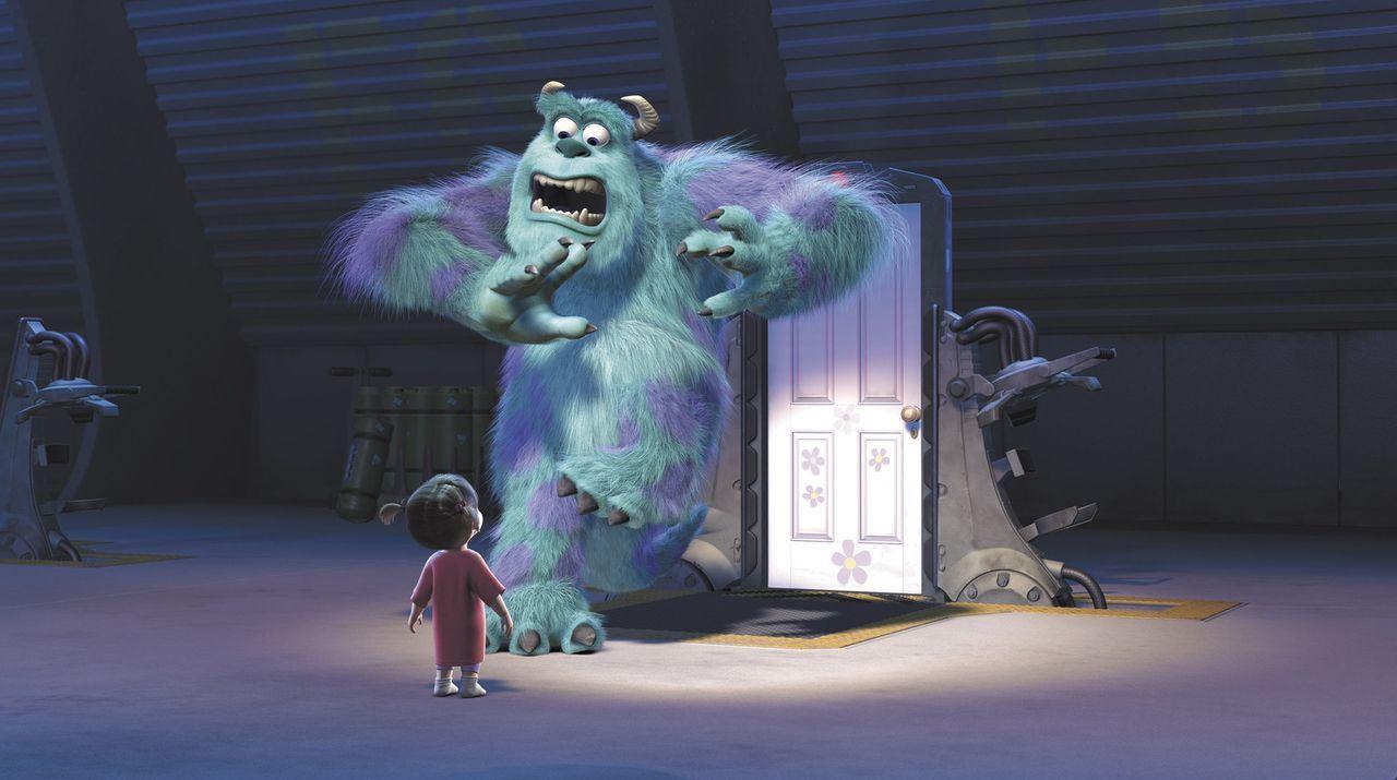 Ein Menschenkind in der Monsterwelt, das gab es noch nie! Noch dazu sind Kinder äußerst gefährlich und nur eine einzige Berührung könnte Sulley (r.)... - Bildquelle: Buena Vista Pictures