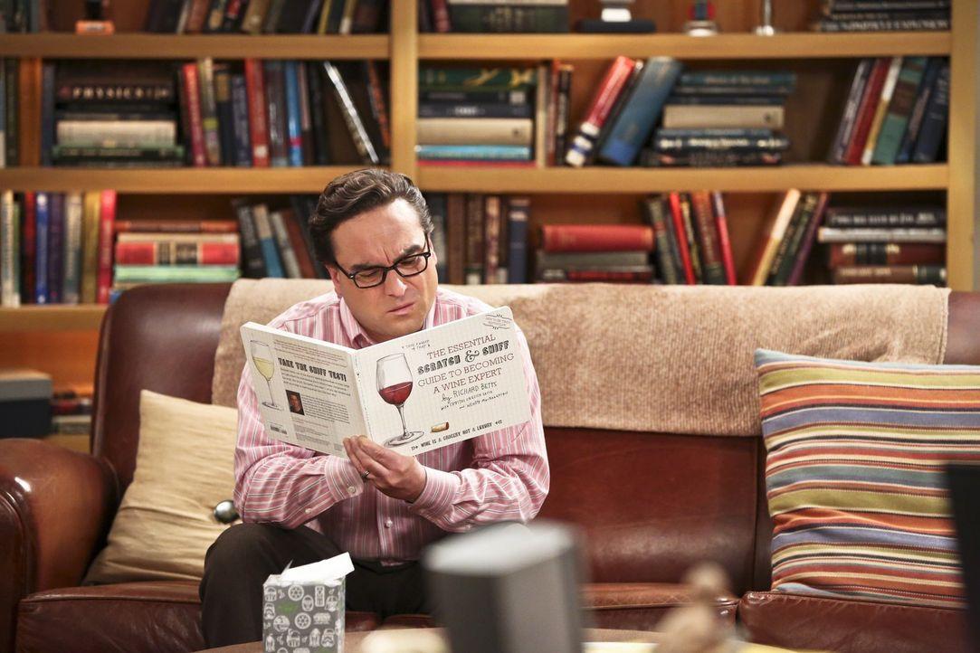 Leonard (Johnny Galecki) bereitet sich auf die Weinverkostung vor, zu der Penny ihn, Howard, Raj und Amy mitnehmen möchte. Dort angekommen, nützt ih... - Bildquelle: 2016 Warner Brothers